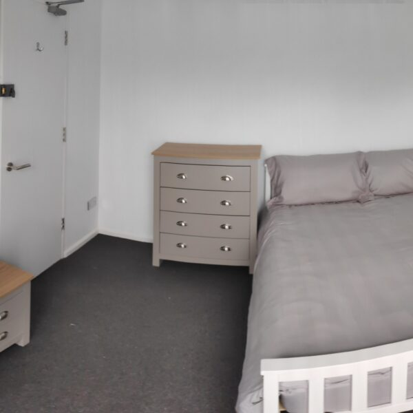 Double room to rent RH10